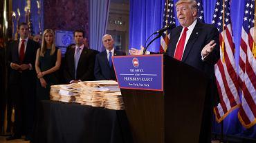 Prezydent elekt USA Donald Trump podczas konferencji prasowej w Trump Tower