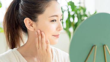 Koreańska pielęgnacja twarzy składa się z 10 zabiegów. Zdjęcie ilustracyjne