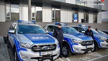 Aż 10 nowych radiowozów zasiliło flotę bielskiego garnizonu policji