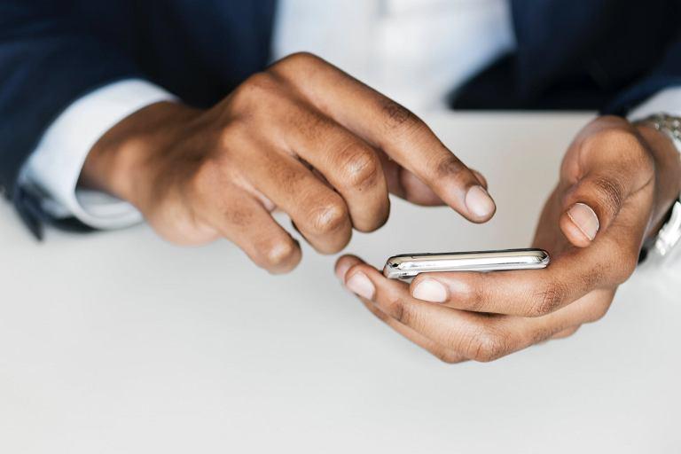 Jaki smartfon dla firmy wybrać?