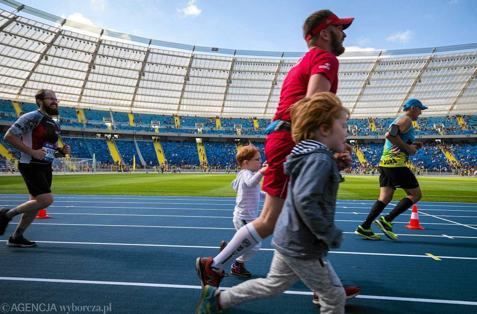 Finisz PKO Silesia Marathonu na Stadionie Śląskim w Chorzowie