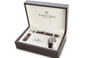 Apart i jego szwajcarska marka zegarków