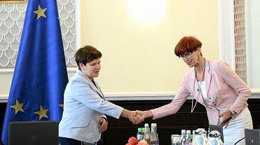 Premier Beata Szydło oraz minister rodziny, pracy i polityki społecznej Elżbieta Rafalska
