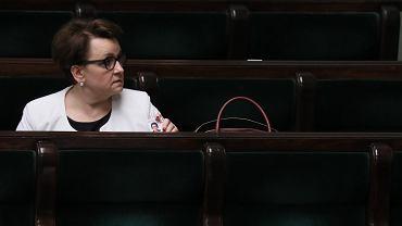 Wotum nieufności dla Anny Zalewskiej. Opozycja: Chaos i rozsypka, a minister wylicza listę sukcesów