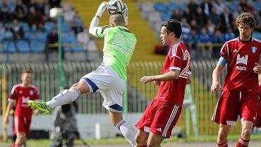 Piłka nożna, I liga. Stomil Olsztyn - Wisła Płock 1:2. Paweł Magdoń (z prawej)
