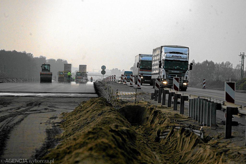 Budowa drogi ekspresowej w Białymstoku. Zdjęcie stanowi ilustrację do tekstu.