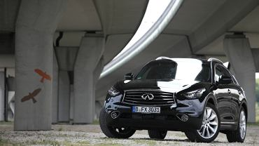 Infiniti FX 3.0d Black and White Edition