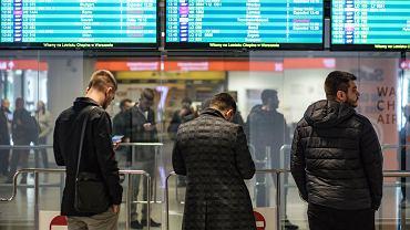 Lotnisko im. Fryderyka Chopina w dzień ogłoszenia przez Ministra Zdrowia stanu zagrożenia epidemicznego
