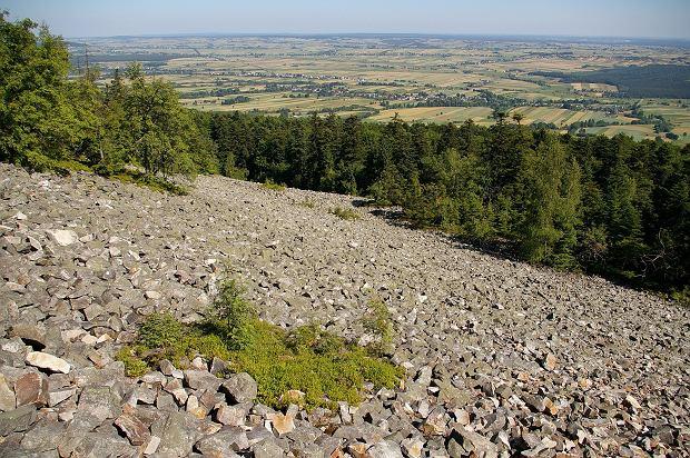 Gołoborze na Łysej Górze (Świętym Krzyżu) w Górach Świętokrzyskich Fot. Jakub Hałun/Wikimedia Commons