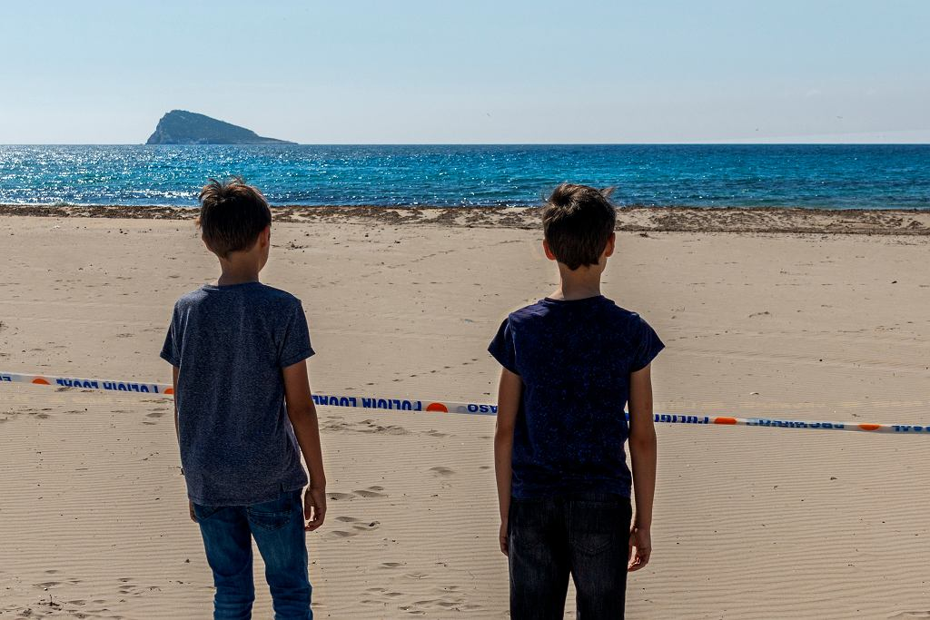 7Children,In,Spain,Were,Allowed,To,Go,Outside,First,Time
