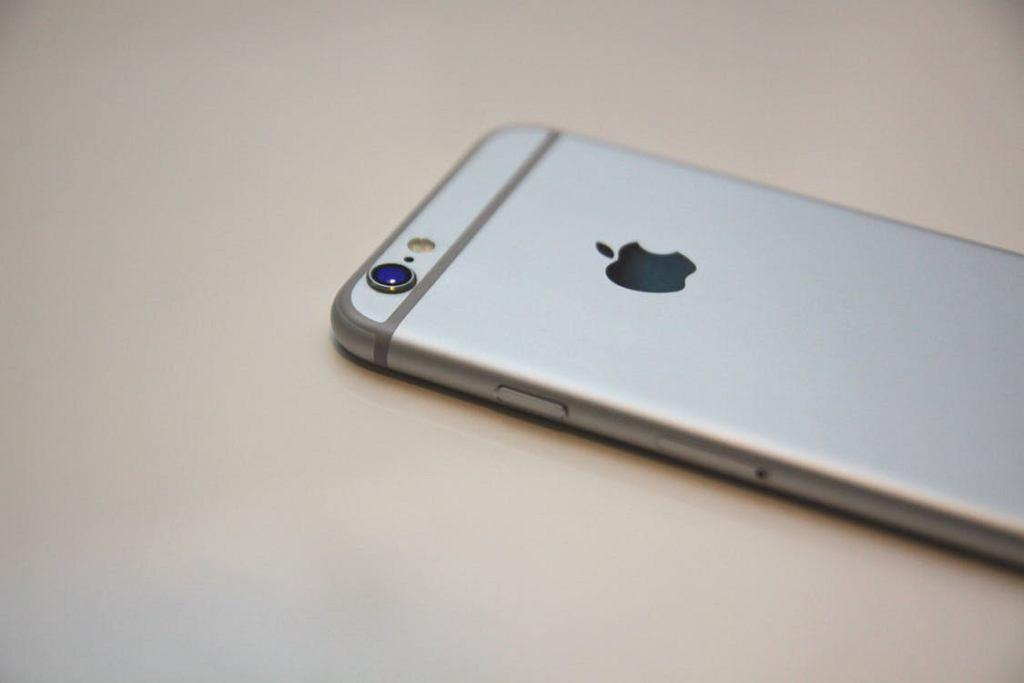 Apple przeprasza swoich klientów
