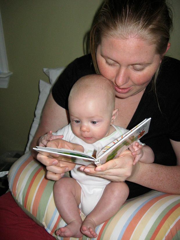 Bez względu na wiek, czytanie rozwija.