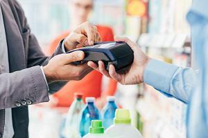 Przedsiębiorco, zacznij akceptować karty! Rok bez opłat i prowizji. A potem? Znamy szczegóły