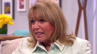 Eve Pollard, znana angielska dziennikarka, wyznała, że gdy jej córka była mała, wielokrotnie widziała mamę nago