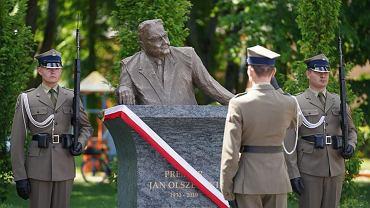 Odsłonięcie pomnika Jana Olszewskiego
