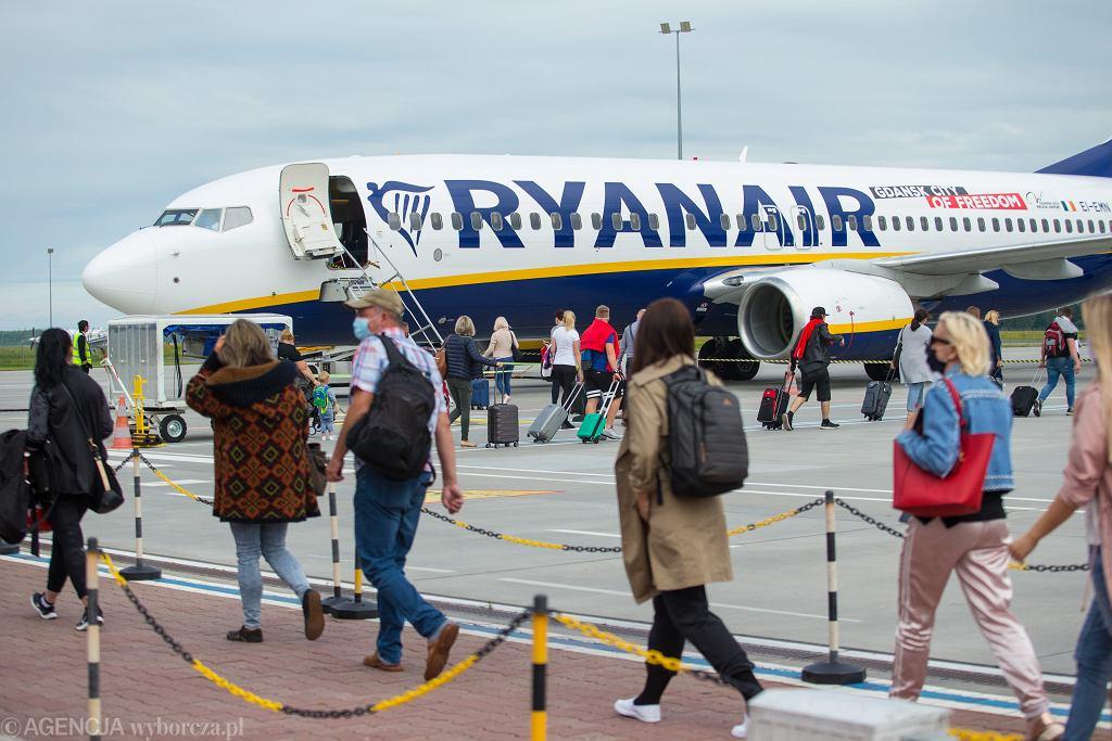 0Pierwszy Ryanair do Londynu po odmrozeniu lotow.