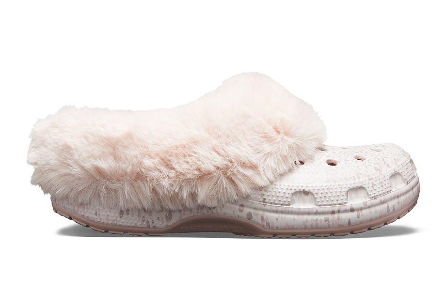 Zimowe Crocsy z futerkiem to nowość w ofercie amerykańskiej marki