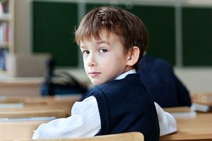 """Szkolny start. Psycholog: Dzieci są przyzwyczajone do tego, że się je """"obsługuje"""""""