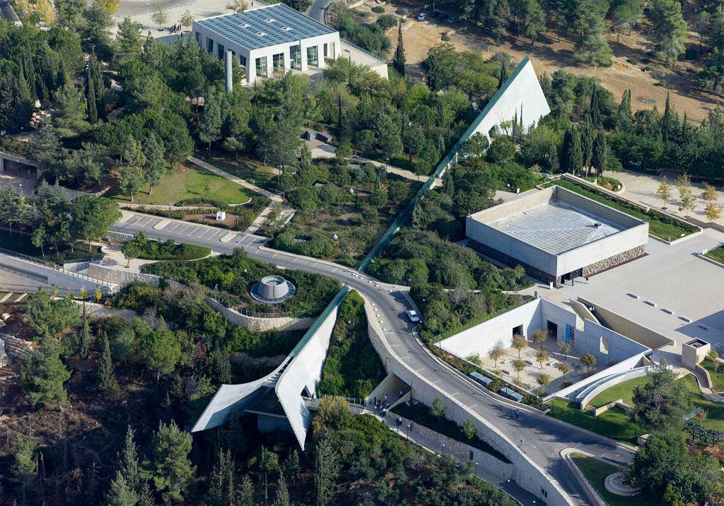 Instytut Pamięci Męczenników i Bohaterów Holocaustu Yad Vashem z lotu ptaka (fot. Godot13 / Wikimedia. org / CC BY-SA 4.0)