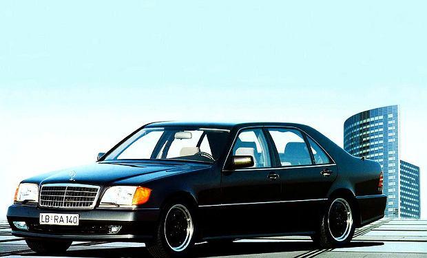 W140 AMG - moc 509 KM, V-max 290 km/h, 0-100 km/h - 5,0 sekundy