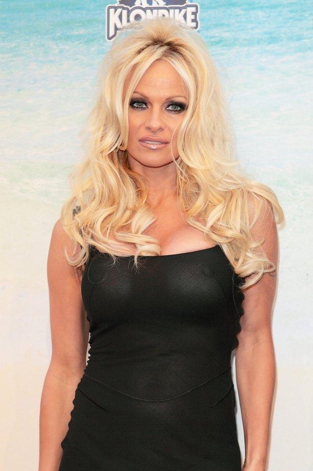Pamela Anderson w 2010 roku