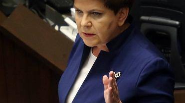 Premier Beata Szydło  w Sejmie. - To nie Polska ma problem z reputacją i autorytetem, ale Komisja Europejska! - wołała. Opozycji zarzuciła zdradę