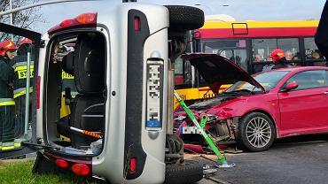 Wypadek na skrzyżowaniu Wołoskiej i Racławickiej. Jedna osoba została ranna