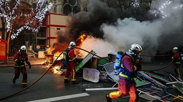 Protesty 'żółtych kamizelek' we Francji. W wielu miastach doszło do starć z policją