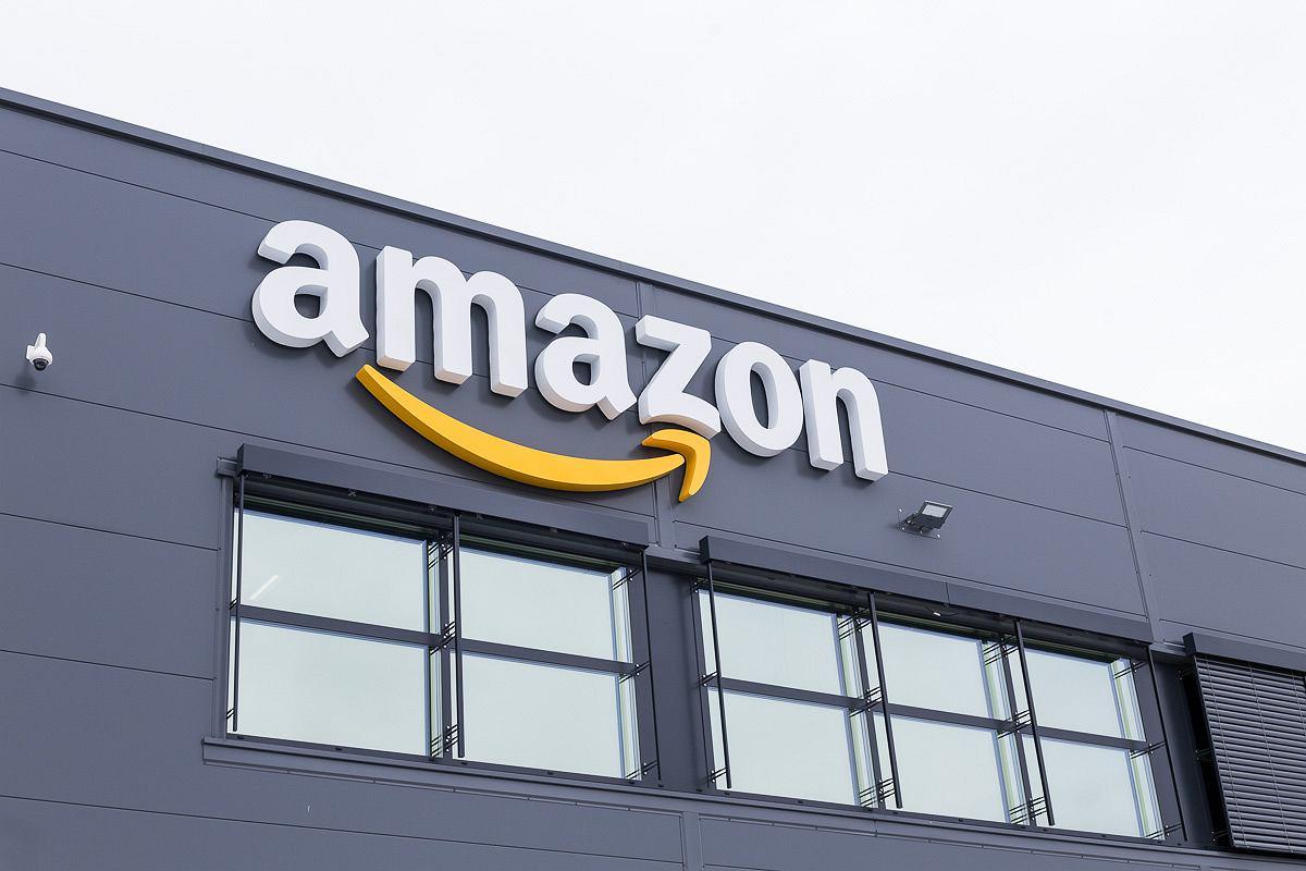 Amazon ma wejść do Polski. Firma Bezosa skazana na sukces? Allegro nie podda się bez walki   Technologie na Next Gazeta