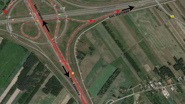 Utrudnienia dla kierowców na autostradzie A1 koło Łodzi. Popękały elementy wiaduktu