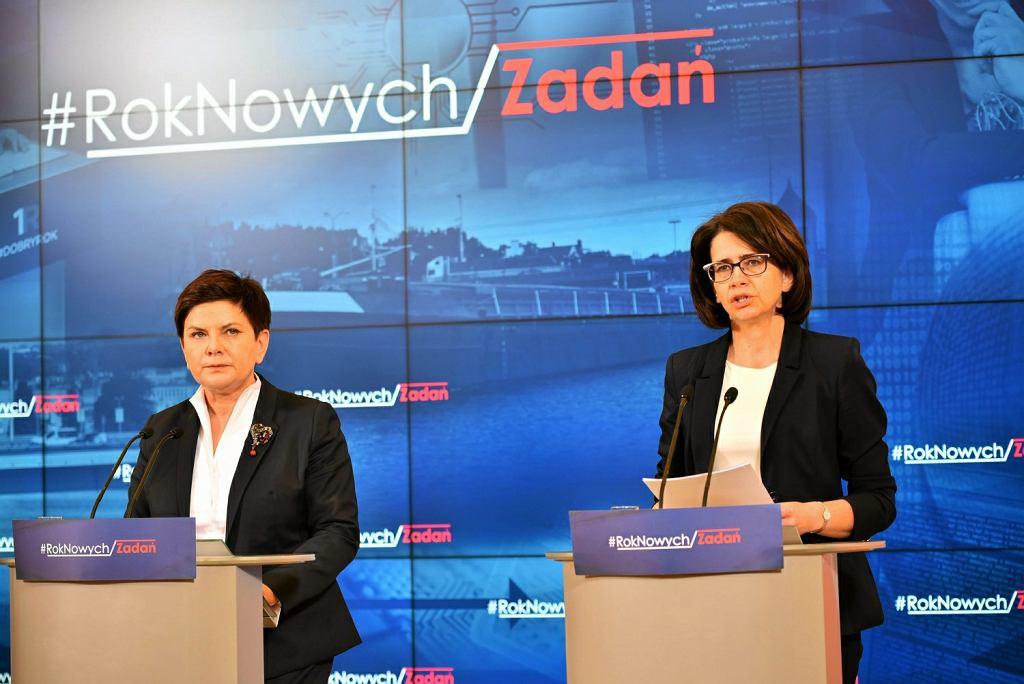 Anna Streżyńska, szefowa Ministerstwa Cyfryzacji i premier Beata Szydło