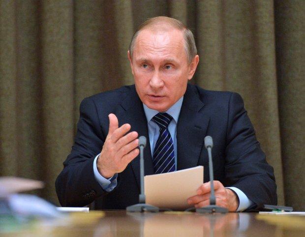 Putin chce sprzedać Zachodowi dług Ukrainy