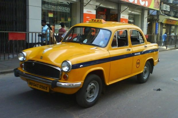 Taksówki w Indiach - Hindustan Ambassador