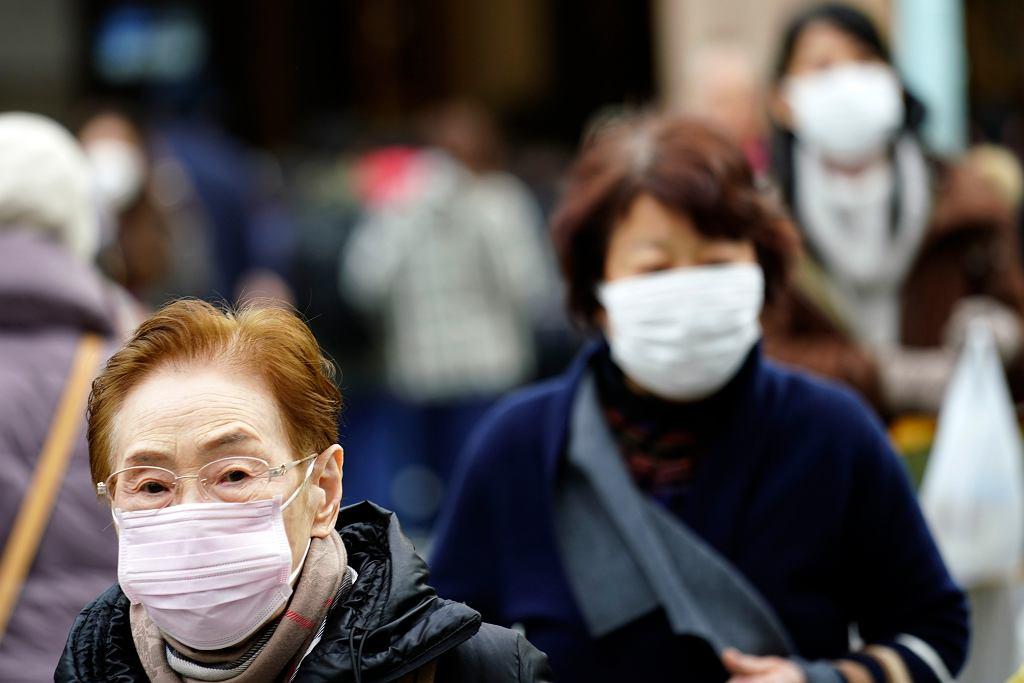Epidemia koncentruje się w mieście Wuhan, ale dwie osoby zakażone nowym wirusem pojawiły się także w Tajlandii, a jednego chorego zdiagnozowano w Japonii.