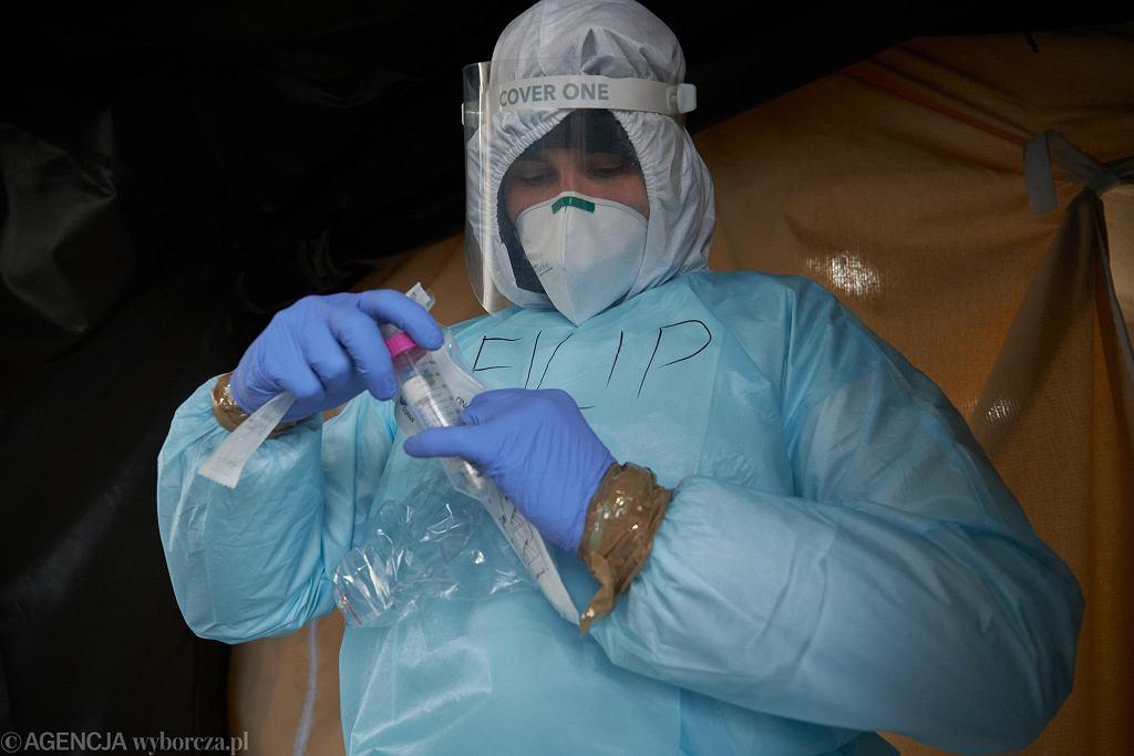 Testy w kierunku koronawirusa