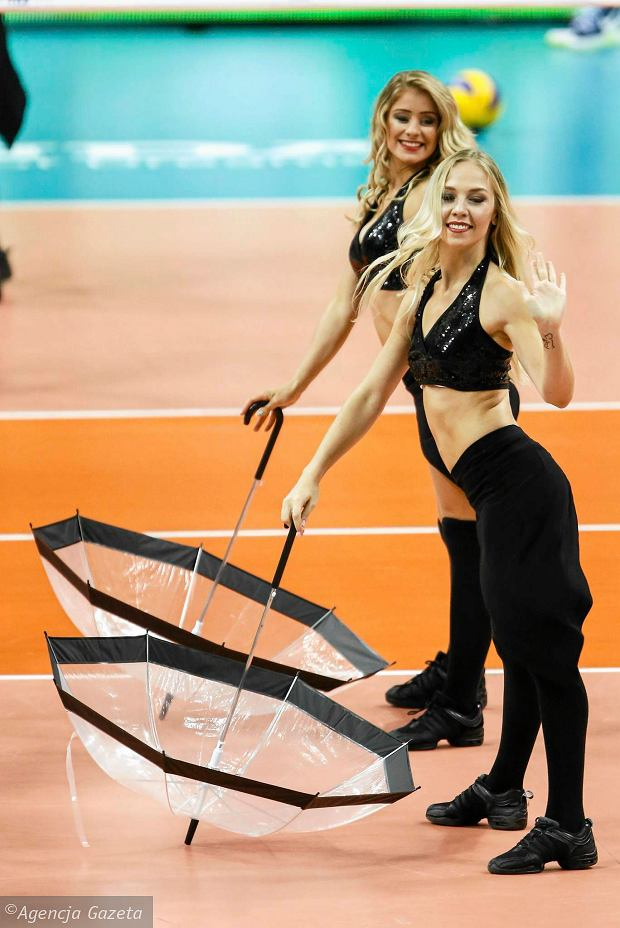 Zdjęcie numer 20 w galerii - Wszystkie przebrania cheerliderek na Ligę Światową w Tauron Arenie Kraków
