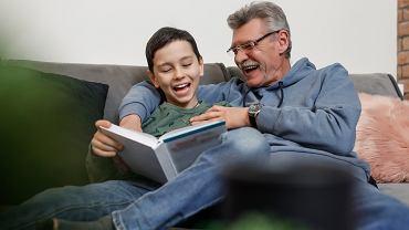 Życzenia na Dzień Dziadka 2021. Lista pięknych i rymowanych życzeń