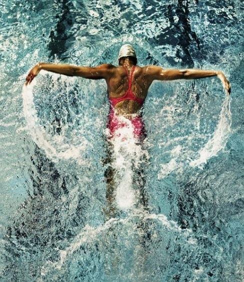 Zła technika pływania może się skończyć kontuzją barku