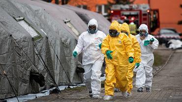 Ćwiczenia służb medycznych i ratunkowych w Lublinie na wypadek wybuchu epidemii koronawirusa