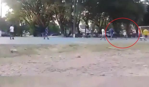 Ronaldinho czaruje nawet w więzieniu! Są nagrania z meczu [WIDEO]