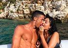 Cristiano Ronaldo obejmuje półnagą Georginę Rodriguez. Czułe zdjęcie pary