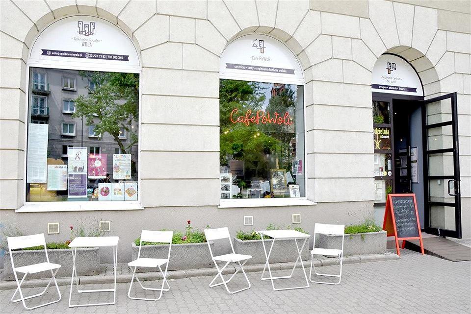 Jadłodzielnia Plus na Woli - podziel się jedzeniem i innymi rzeczami w Cafe PoWoli