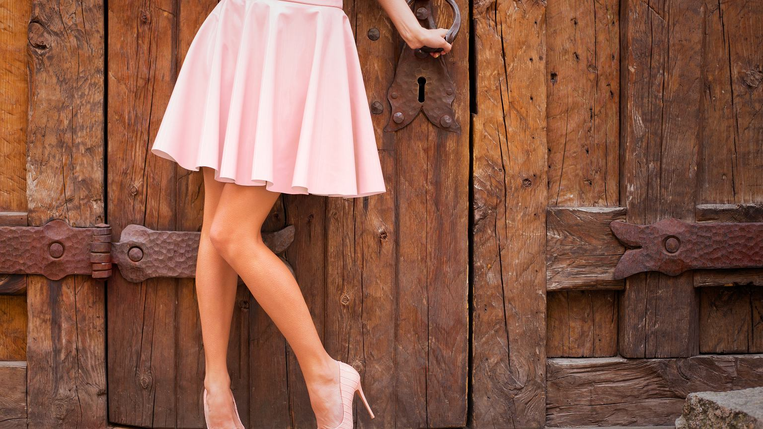 79bd73f479dd75 Spódnice w stylu lat 50. Ultrakobiecy fason znowu szalenie modny!