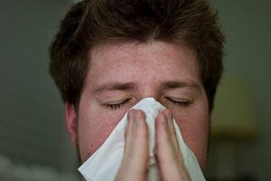Domowe sposoby na zatkany nos. Jak sprawić, by katar dokuczał mniej?