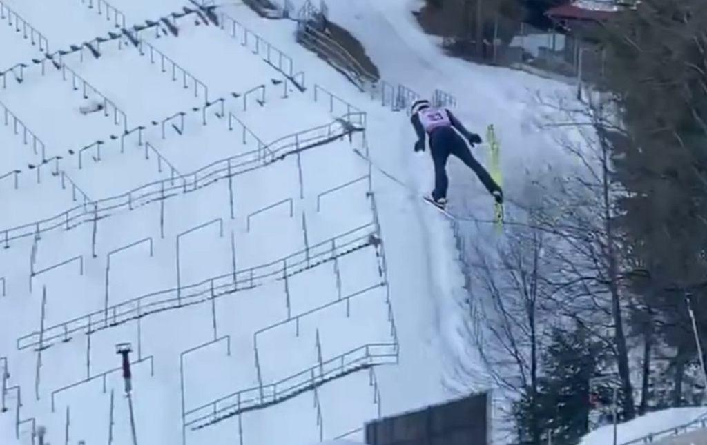 Benjamin Oestvold podczas skoku na 150 metrów w Zakopanem