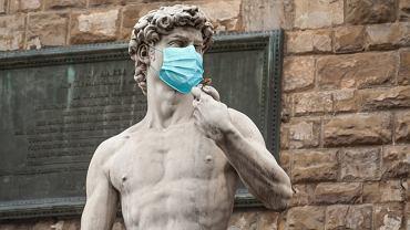 Włochy. Rząd zaostrza przepisy. Za brak maseczki 400 euro kary