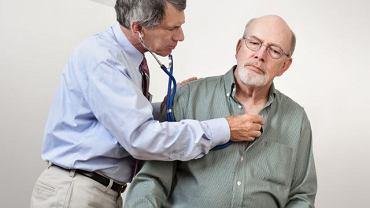 Ostra niewydolność serca może być spowodowana bardzo różnymi czynnikami i wywołuje specyficzne dolegliwości