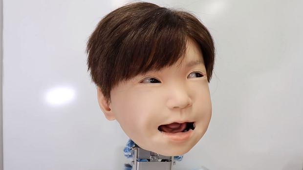 Affetto to pierwsze dziecko-robot z mimiką twarzy. Spełnia się filmowa wizja Kubricka?