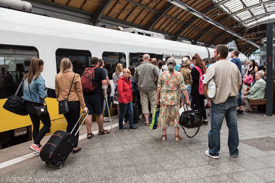 Koleje Dolnośląskie chcą wozić pasażerów do Zakopanego i Świnoujścia.