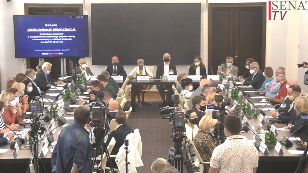 Debata o lex TVN